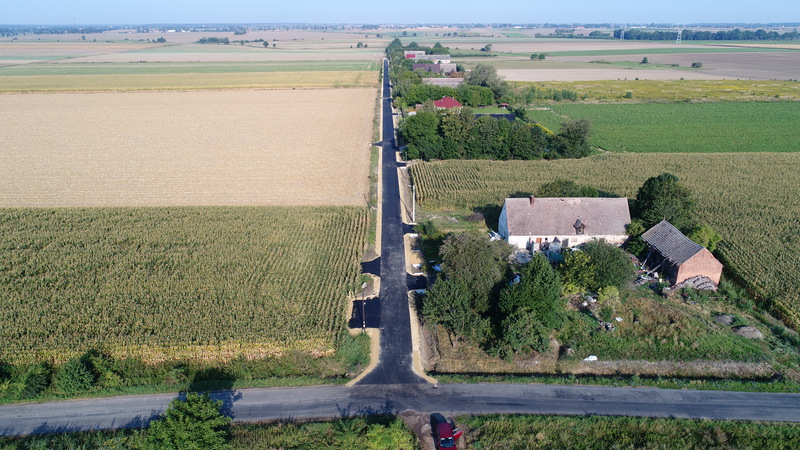 zakonczona budowa drogi w Wojciechowie.jpeg